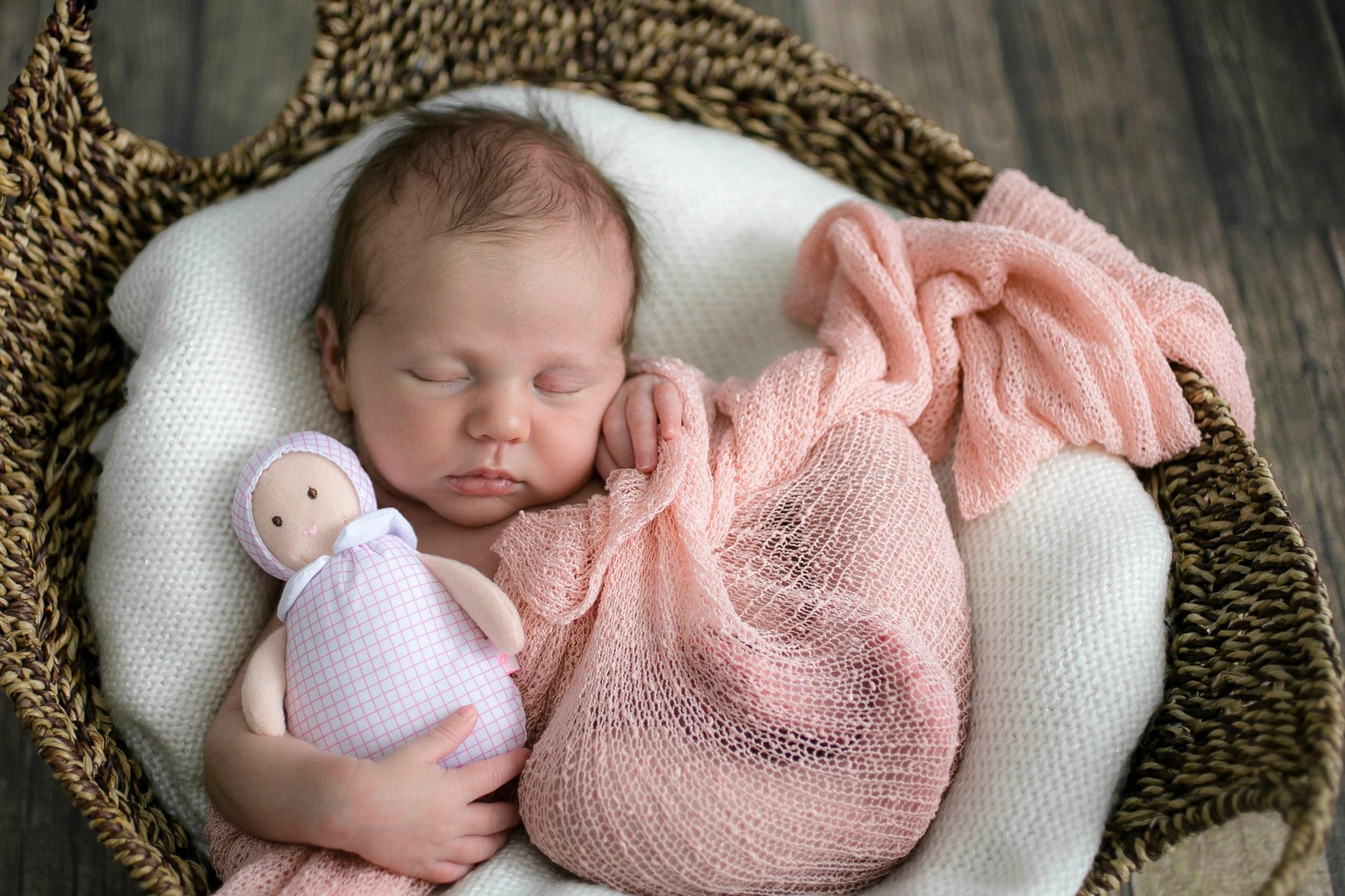 L'accompagnement sommeil bébé paris et Ile de france vous permettra de mieux comprendre les besoins en sommeil de votre bébé et de l'accompagner vers un sommeil de meilleure qualité.